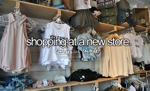 justgirlythings:  Everyone go follow littlereasonstosmile, they follow back! http://littlereasonstosmile.tumblr.com