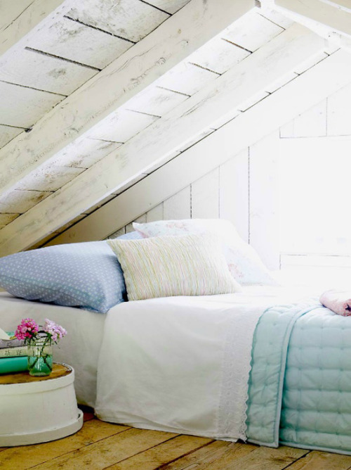 justbesplendid:  attic bedroom