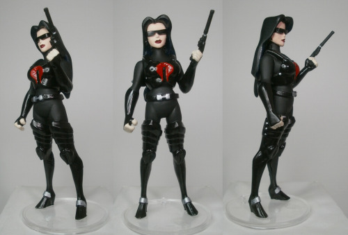 geekvariety:  I made a new Baroness custom today using the kit that I sell in my store. I had to make a new one because Baroness v1 took a dive off the shelf she was living on and broke. I was crushed for a moment then I pulled my shit together and made what you see above out of the head and arms I salvaged off v1 and the body and legs of the kit.  I am needless to say, pretty fucking happy about how this turned out.
