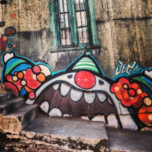upyourstreetart:  Strolling the streets of Valparaiso #streetart #streetview #CityLife #grafitti #valparaiso #Chile #worldplaces #world_shotz #bd #topcapture #clown #stairs #street #house #home #art by birgitry http://bit.ly/14xK4sB
