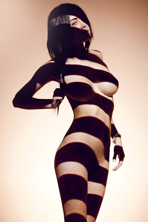 slxve:  thevuas:  ughh… damn u shadows   Still sexy as fuck