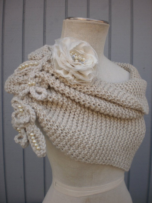 by Deniz03 on Etsy I'm in love with those and making such things is my lifetime knitting/crochet goal tbh.