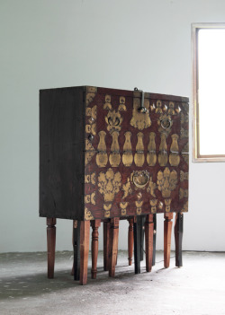 Fortuitous Variation - Traditional Korean furniture reinterpreted by maezm