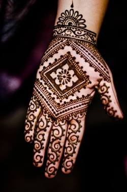 beautifulindianbrides:  Henna by:Maple