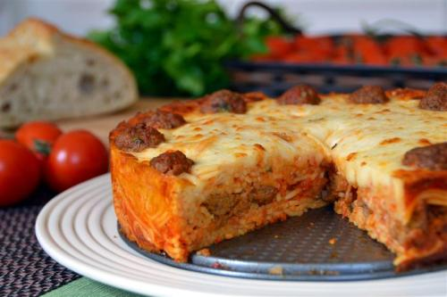 foodopia:  spaghetti and meatball pie: recipe here
