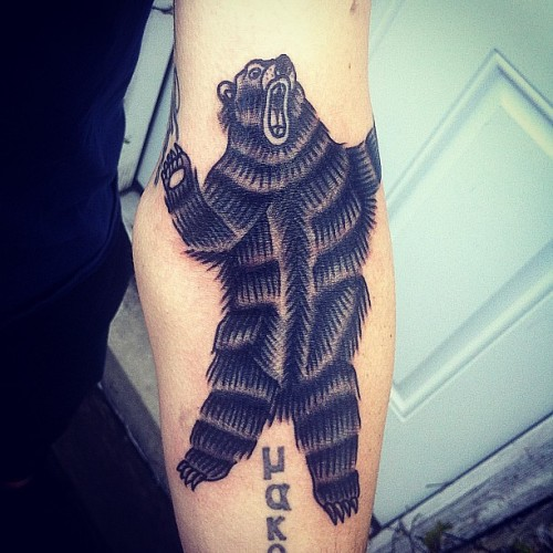 Put a bear on my bud Jorian today! Thanks so much dude!! #tat #tattoo #tattoos #tattooing #traditional #traditionaltattoo #traditionaltattoos #traditionaltattooing #sndblog #mke #milwaukee #mketattoo #midwesttattoo #milwaukeetattoo #art #artnerd #bear #beartattoo #bearattack #attackmysack