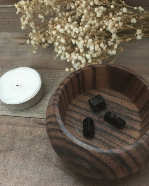 black tourmaline tourmaline crystals crystal minerals chakra healing healing crystal healing crystals crystal healing metaphysical boho indie hippie witchcraft witchy crystal witch