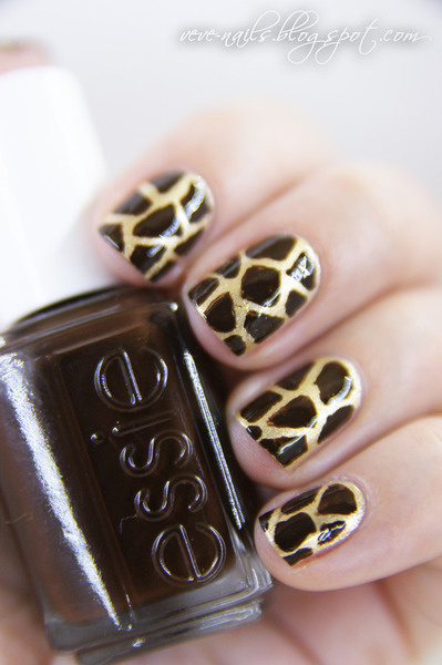 Fun giraffe print nails by Nails Maniac V.!