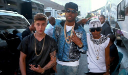 jusgohollywood:  Justin and Lil Twist at the BBMA's.