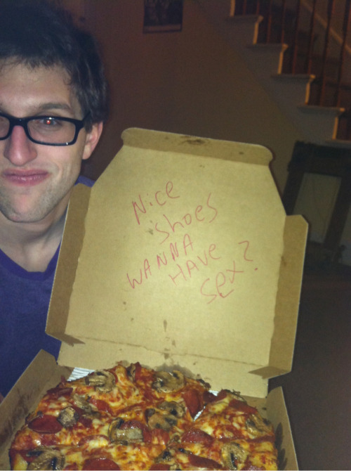 raichelangelina:  My friend Brad told the dominos online thing that he wanted them to put a cheesy pick up line on the box. This is what he got.  Exactly what I got. This is great.
