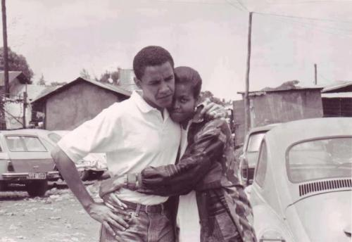 Barack n mitchelle when they visited kenya #throwback_NRB #NRBstreetstyle