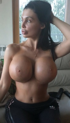 perfectbimbofuck:  Aletta Ocean with her brand new tits