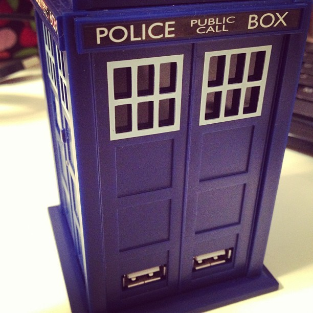 Four USB ports in Tardis blue.