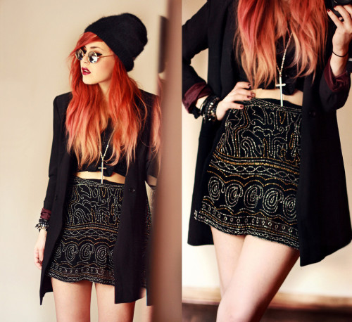 lookbookdotnu:  Christmas Eve. (by Lua P)