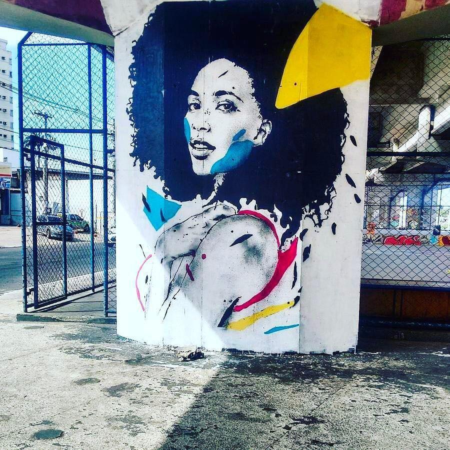 streetartglobal:  Pablo Malafaia mural in #riodejaneiro –http://globalstreetart.com/pablomalafaia–#globalstreetart #urbanwalls #brazil #murals https://www.instagram.com/p/BQbWPsagdxl/