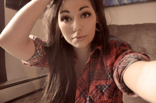 nothings-great-anymore:  girls in plaid man