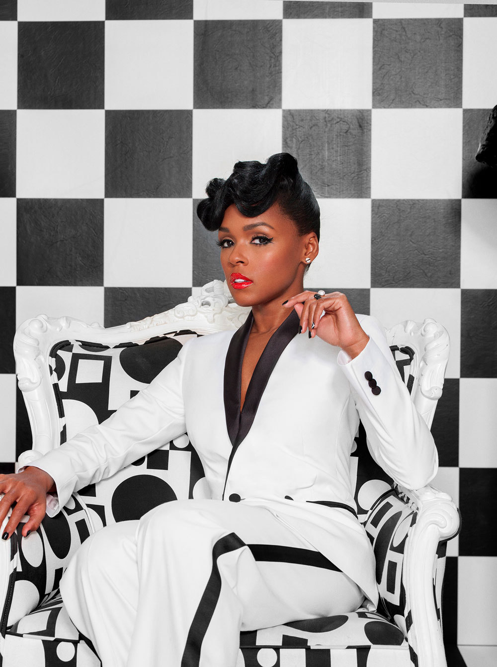 "lovesoulbounce:  ""They be like, 'Ooh, she's serving face.'"" Work, Janelle."