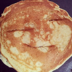 One happy pancake.