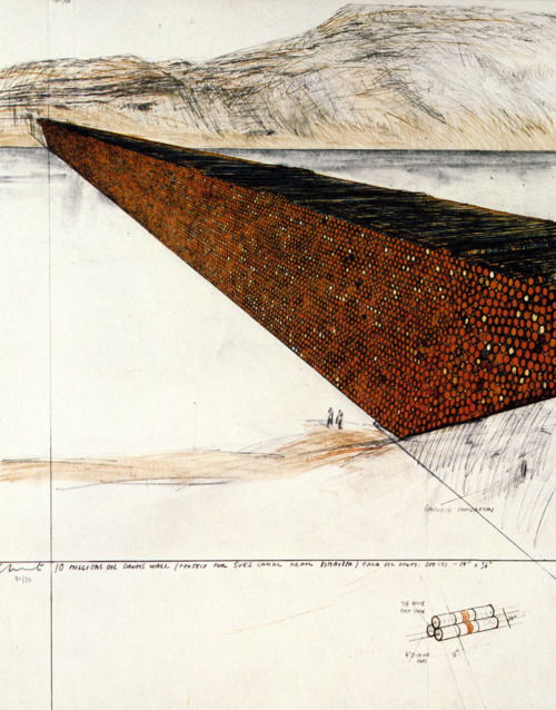 Ten Million Oil Drums Wall : Christo and Jeanne-Claude