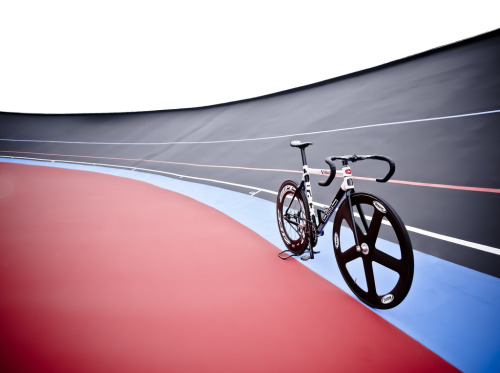FATHER TU: BMC TRACK x TAIWAN VELODROME   I like this photograph.  See more shots on Flickr.