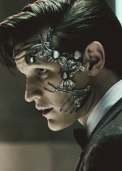 Doctor Who - Nightmare in Silver… The Doctor as a somewhat Terminator is Massive.