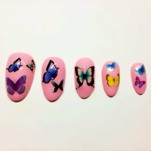 nailinghollywood:  The Butterfly Effect 💅 #nails #butterflies #nailart #karengnails