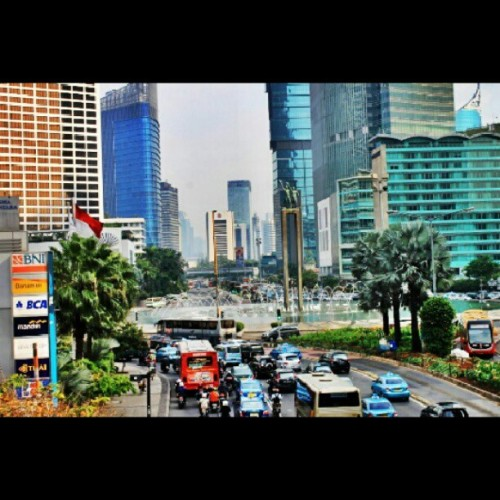 enjoy jakarta! #jakarta #traffic #urban #city #car #building #hdr #mtghdr #instagram