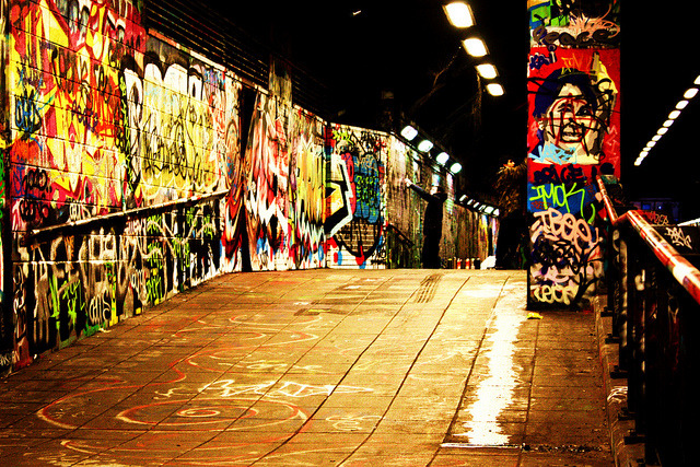 theeverydaygoth:   Graffiti tunnel london south bank