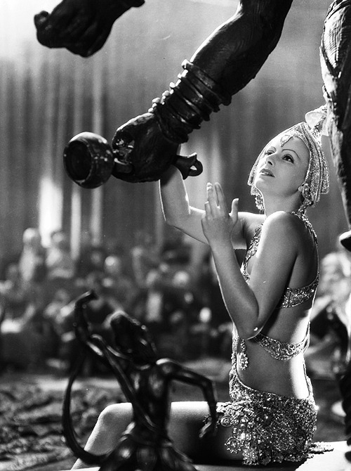 deforest:  Greta Garbo in Mata Hari (1931)
