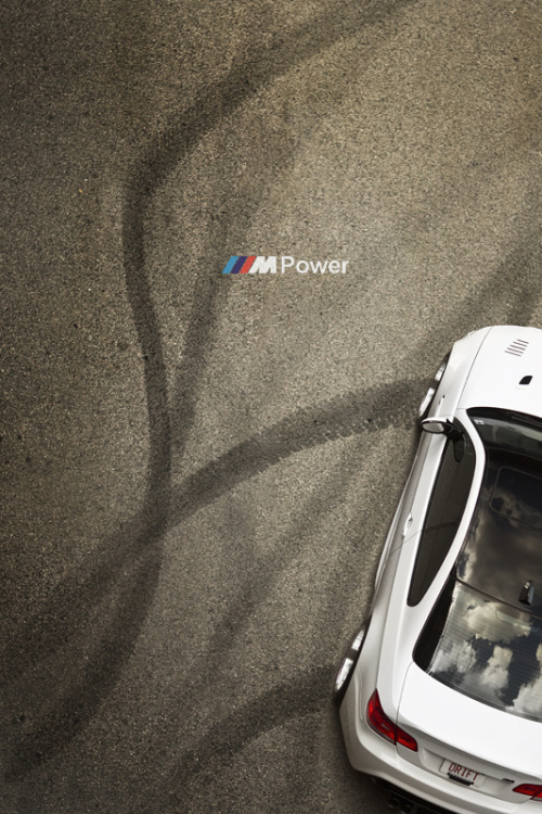 automotivated:  ///Modern Art (by leemiks)
