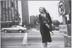 NEWS: SFMOMA DEBUTS FIRST MAJOR TOURING EXHIBITION OF GARRY WINOGRAND'S WORK IN 25 YEARS The first retrospective in 25 years of work by artist Garry Winogrand (1928–1984) will debut at SFMOMA on March 9 and run through June 2, 2013. Jointly organized by SFMOMA and the National Gallery of Art, Garry Winogrand brings together the artist's most iconic images with newly printed photographs that have never been exhibited or published until now. Known primarily as a street photographer, Winogrand captured everyday strangers on the street and the rich and powerful; protesters and politicians; airports and zoos. The photographs in the exhibition and accompanying catalogue will paint a vivid portrait of the artist as a chronicler of postwar America. After premiering at SFMOMA the exhibition will travel to Washington, D.C., New York, Paris, and Madrid. For more information, read the full press release. Image: Garry Winogrand, Los Angeles, ca.1980-83; gelatin silver print; Garry Winogrand Archive, Center for Creative Photography, University of Arizona; © The Estate of G>arry Winogrand, courtesy Fraenkel Gallery, San Francisco