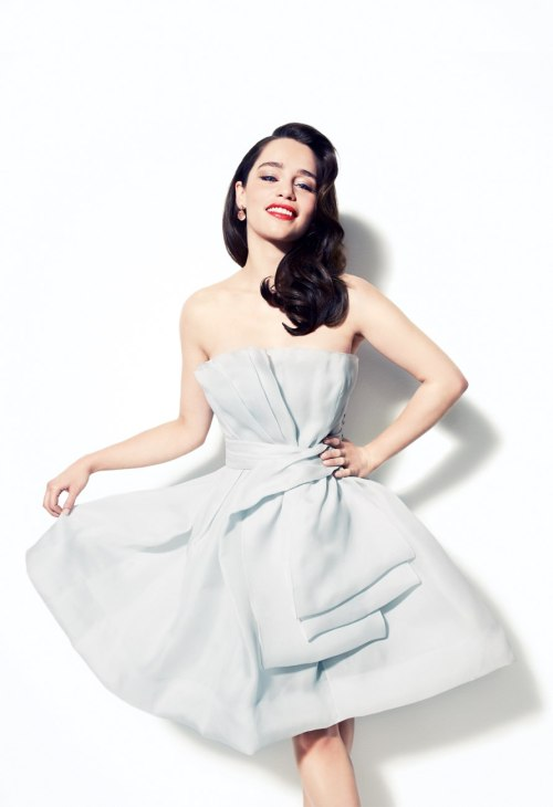 snowknowsnothing:  1/100 photos of emilia clarke