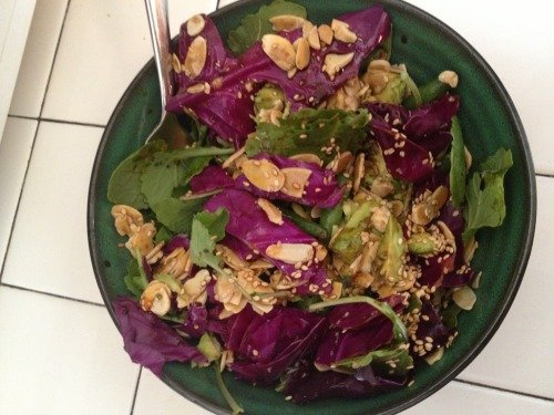 the-lava:  Check out my gorgeous breakfast. Baby kale, cabbage, green beans, sesame seeds, almond slices and avocado. With a spicy soy sauce dressing. Mm.