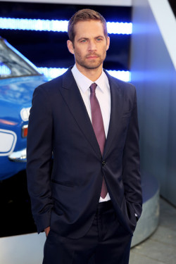 Paul Walker at the premiere of Fast and Furious 6. That's a franchise I willingly give my money to because it has two important things - good-looking guys and fast cars.