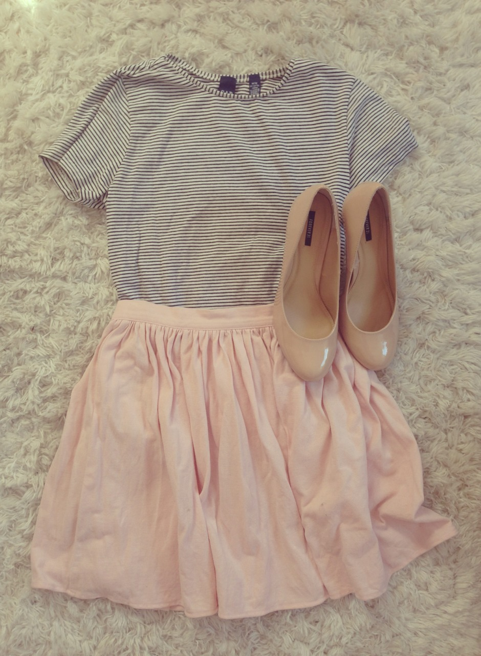 flowurinq:  fiasthatmonaco:  flowurinq:  i love this outfit so much.. i wish i could actually wear it to school  Then why don't you..  !!!!because school dress code!!!!!!!!