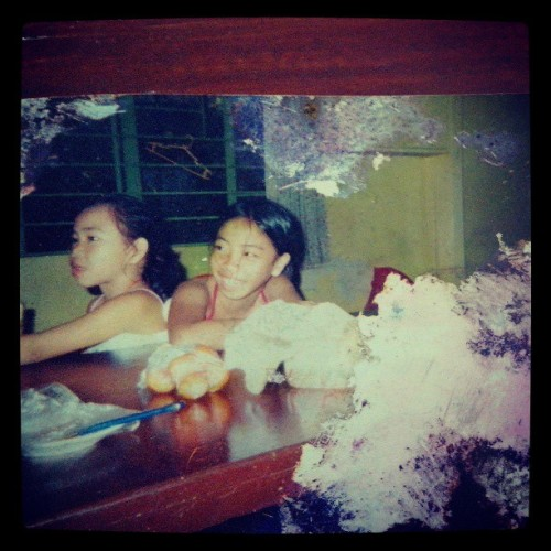 Old picture of ate and me ;)