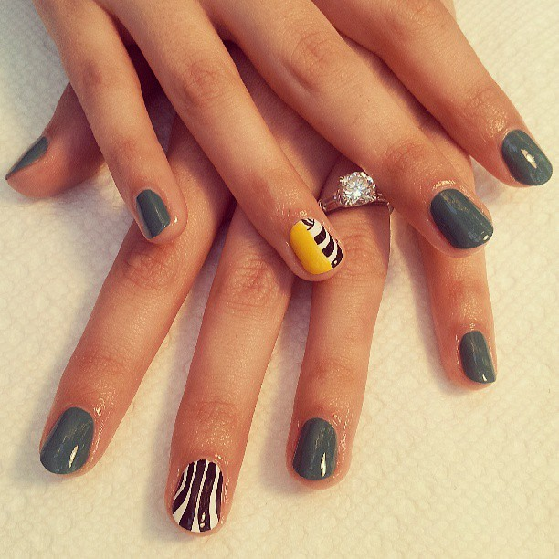 #MickaleneThomas inspired #nailart at the #brooklynmuseumofart #naillife #elsalonsito