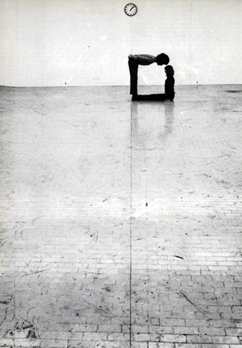 frenchtwist:  via likeafieldmouse:  Klaus Rinke - Time, Space, Body and Action (1972)
