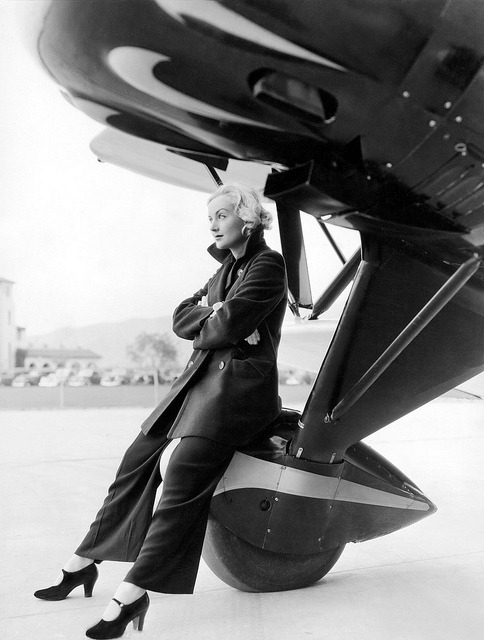 ode-to-the-west-wind:  Carole Lombard, c.1940