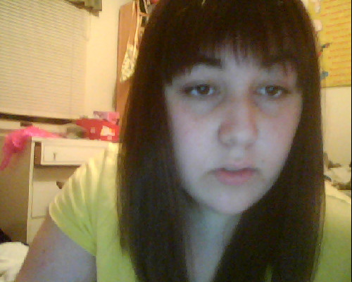 i gots me a hurrcut IM CHEWING GUM SO I DIDNT FEEL LIKE SMILIN