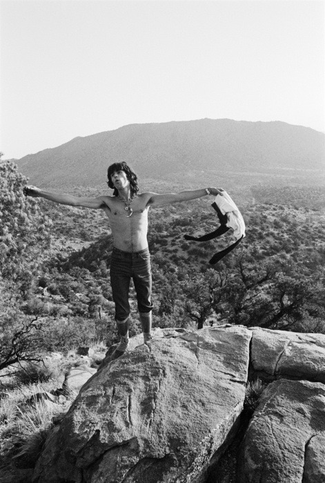KEITH RICHARDS (1969) rocknrollhighskool:   The Rolling Stones' Keith Richards in the Joshua Tree National Park in 1969.