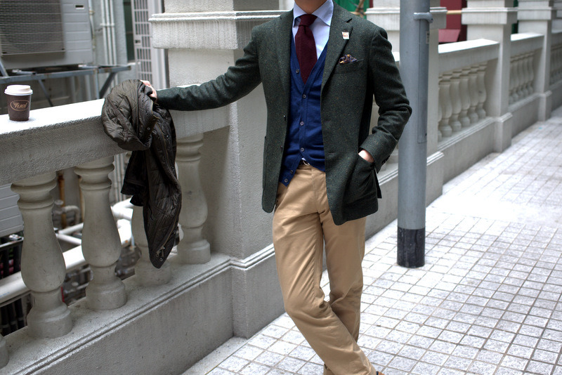 Ring Jacket Donegal Tweed Green Jacket,Liverano Blue Shirt,Drake's Pocketsquare,Sorley Wool/Cashmere Knit TieRing Jacket Chinos