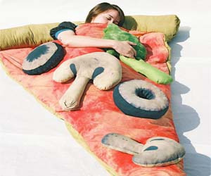 Omg pizza and bed!?! Could there be anything better?