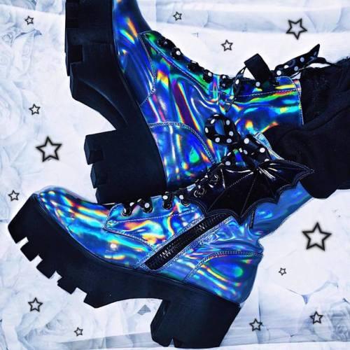 ellxtasy:love my new holographic boots *:・゚✧ #instagram: @ellxtasy ♡