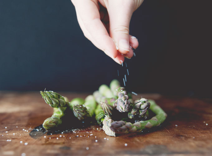 (via Grilled Asparagus with Chile and Truffle Oil | Rue)
