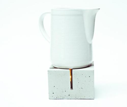 "Need some coping strategies for winter? This teapot warmer out of concrete works for me, no doubt about that.It's from Berlin designers Alexis Oehler/Pia Siekmann, they created for the label ""Betonware"" (for 54 euros via Selekkt).  // (pic @ Betonware)"