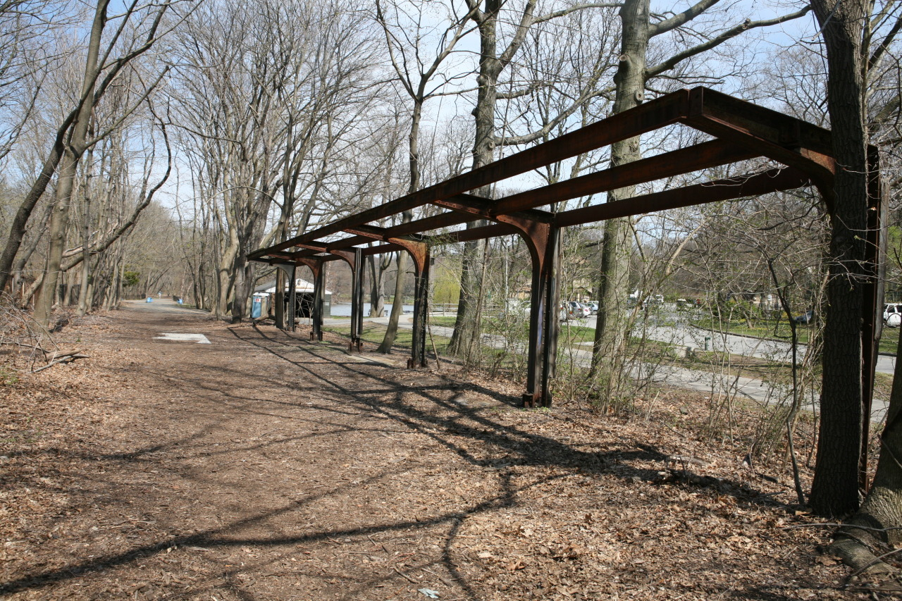 scoutingny:  Scouting NY: A ghost railway line in the Bronx