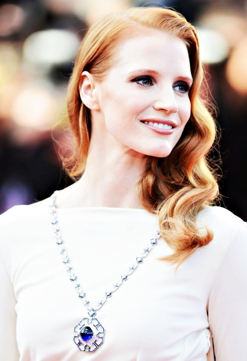 Jessica Chastain attends the 'Cleopatra' premiere during The 66th Annual Cannes Film Festival at The 60th Anniversary Theatre on May 21, 2013 in Cannes, France. She's wearing the famous emerald and diamond necklace Burton gave Taylor during the three-year production in Rome, Italy.