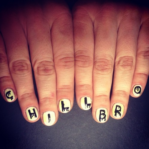 heynicenails:  c h i l l b r o // My motto for this week 😒 #nailart #gels #handpainted #hnnxvg #lbc