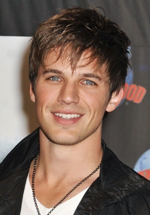 sensual-kitten:  The fact that Matt Lanter is 30 makes me greatly upset.